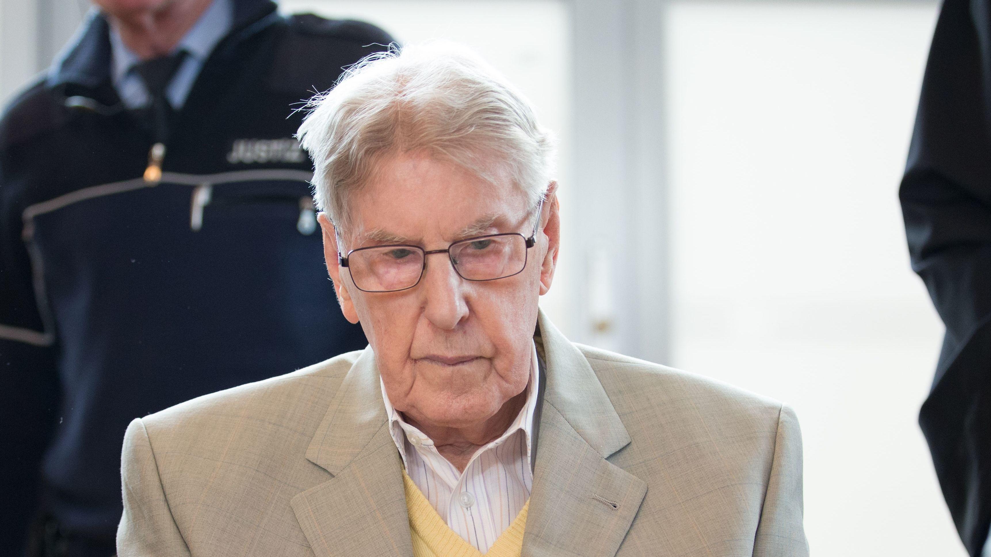 Former Auschwitz Guard Dies Before Beginning Prison Sentence