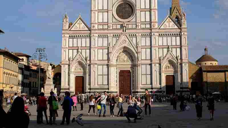 Paninis Are Pa-nonos: Mayor Of Florence Takes Aim At Tourist Picnicking