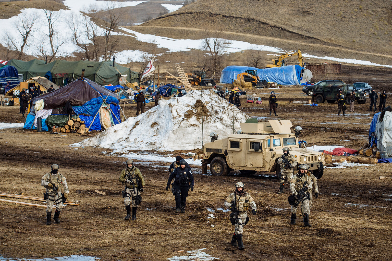 Crude Oil Begins To Flow Through Controversial Dakota Access Pipeline thumbnail