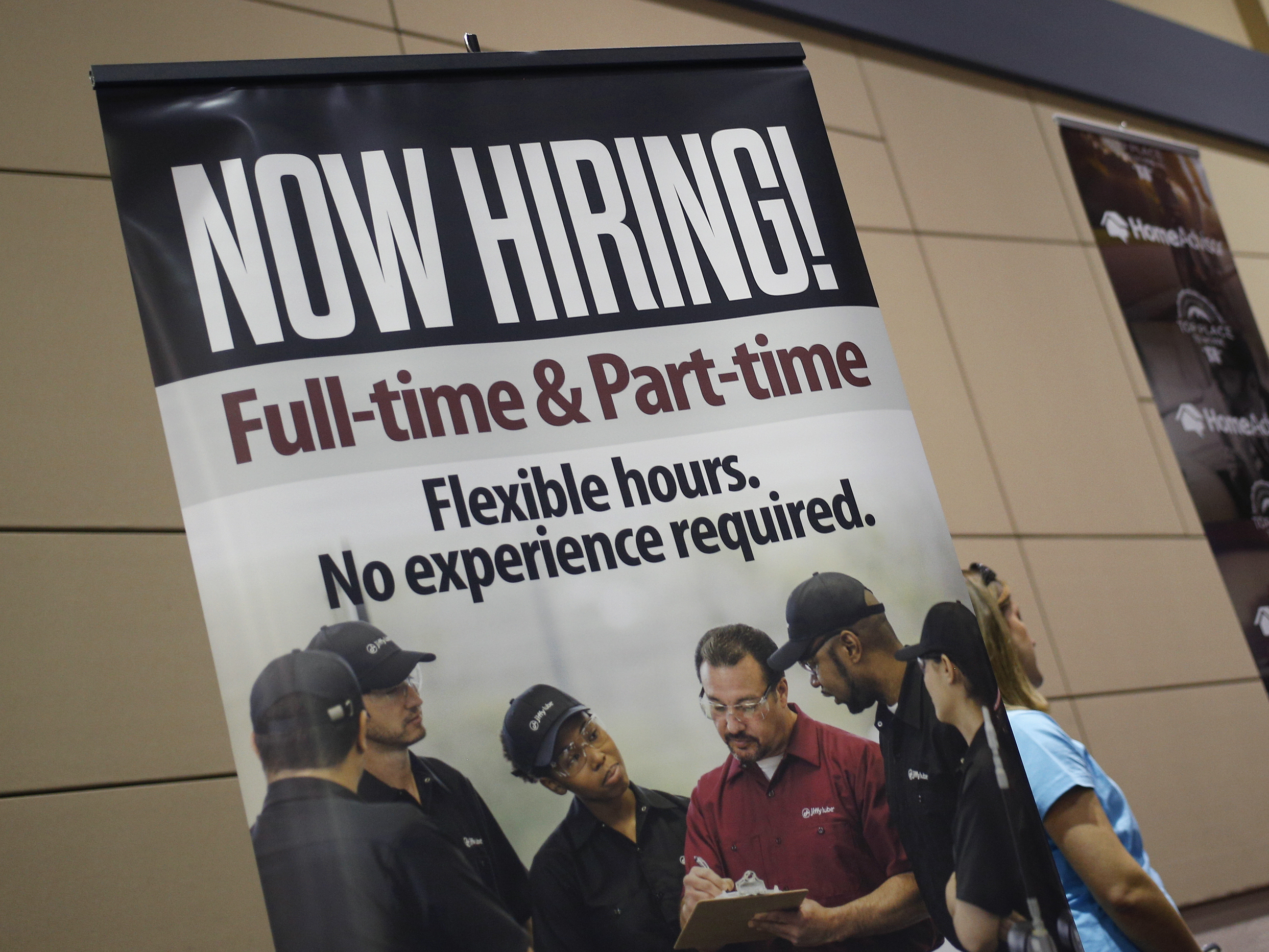 Strong U.S. job growth expected in May; wage rise seen moderate