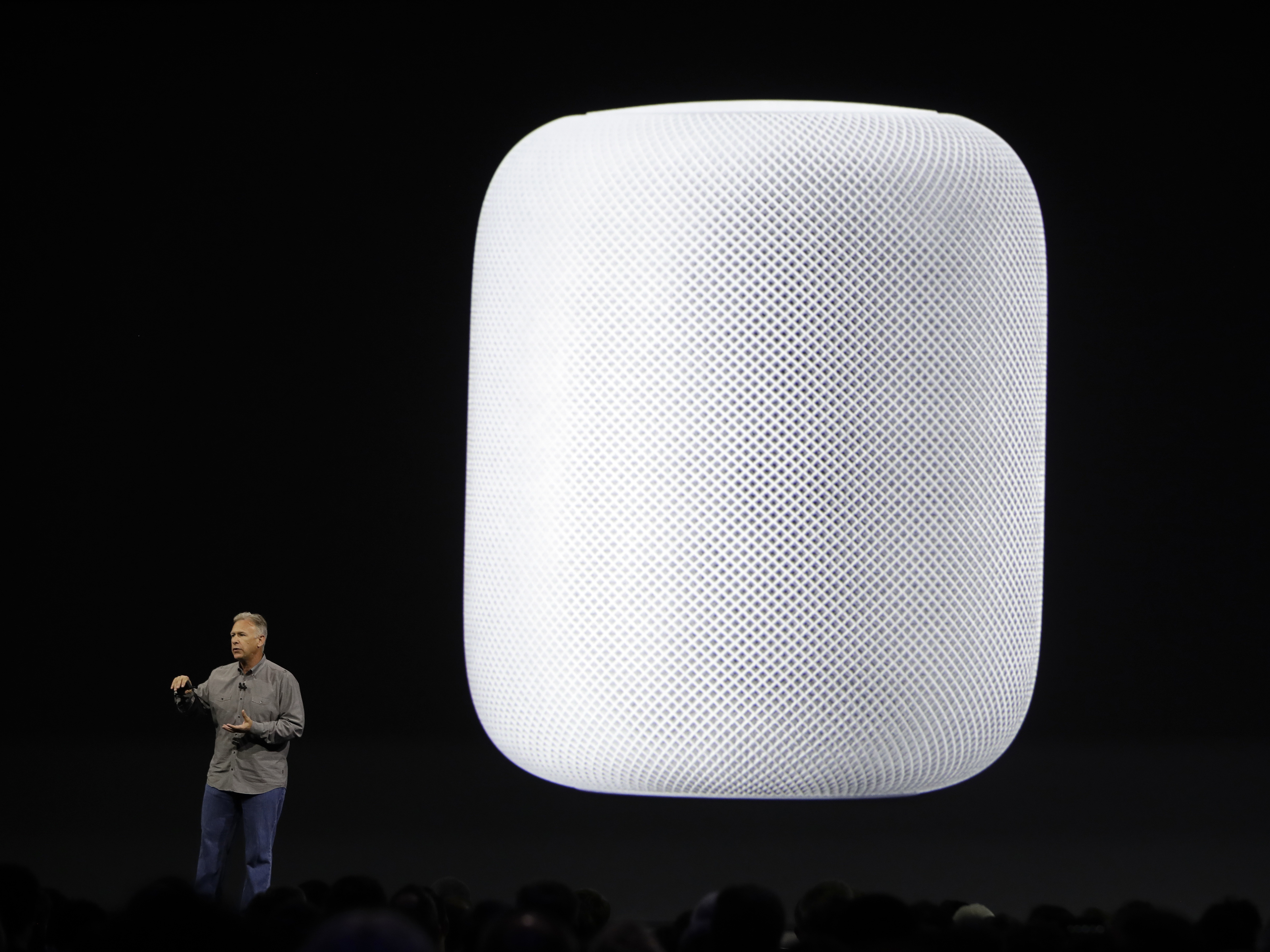 Apple's HomePod speaker will 'reinvent music'