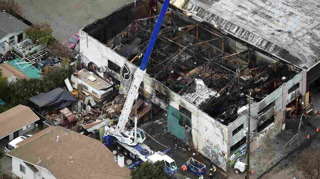 2 Charged With Involuntary Manslaughter For Deadly 'Ghost Ship' Fire
