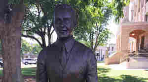 Texas Town 'Balances' Confederate Statue With One Of Lawyer Who Fought KKK