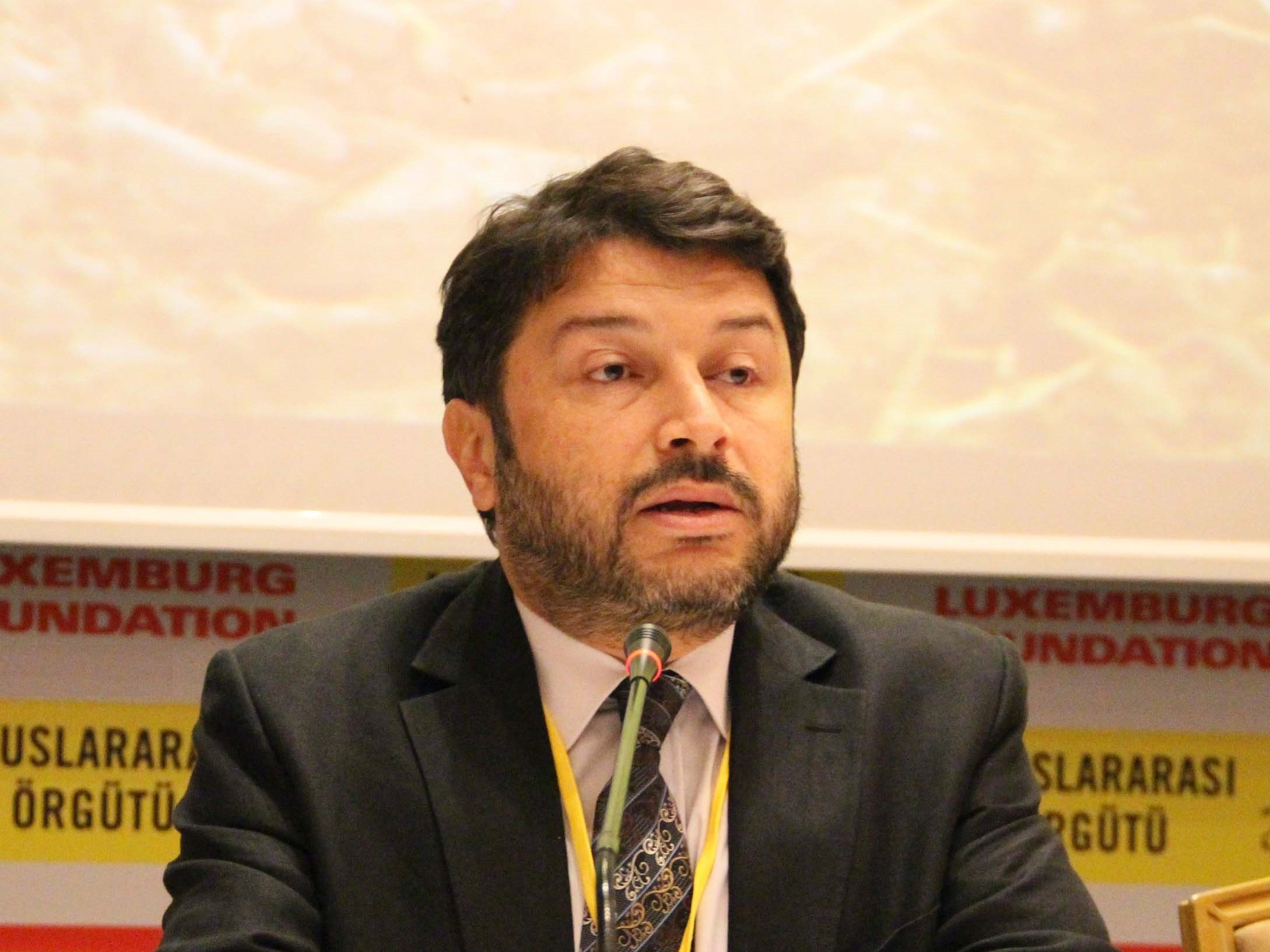 Turkish police detain Amnesty International chief, group says