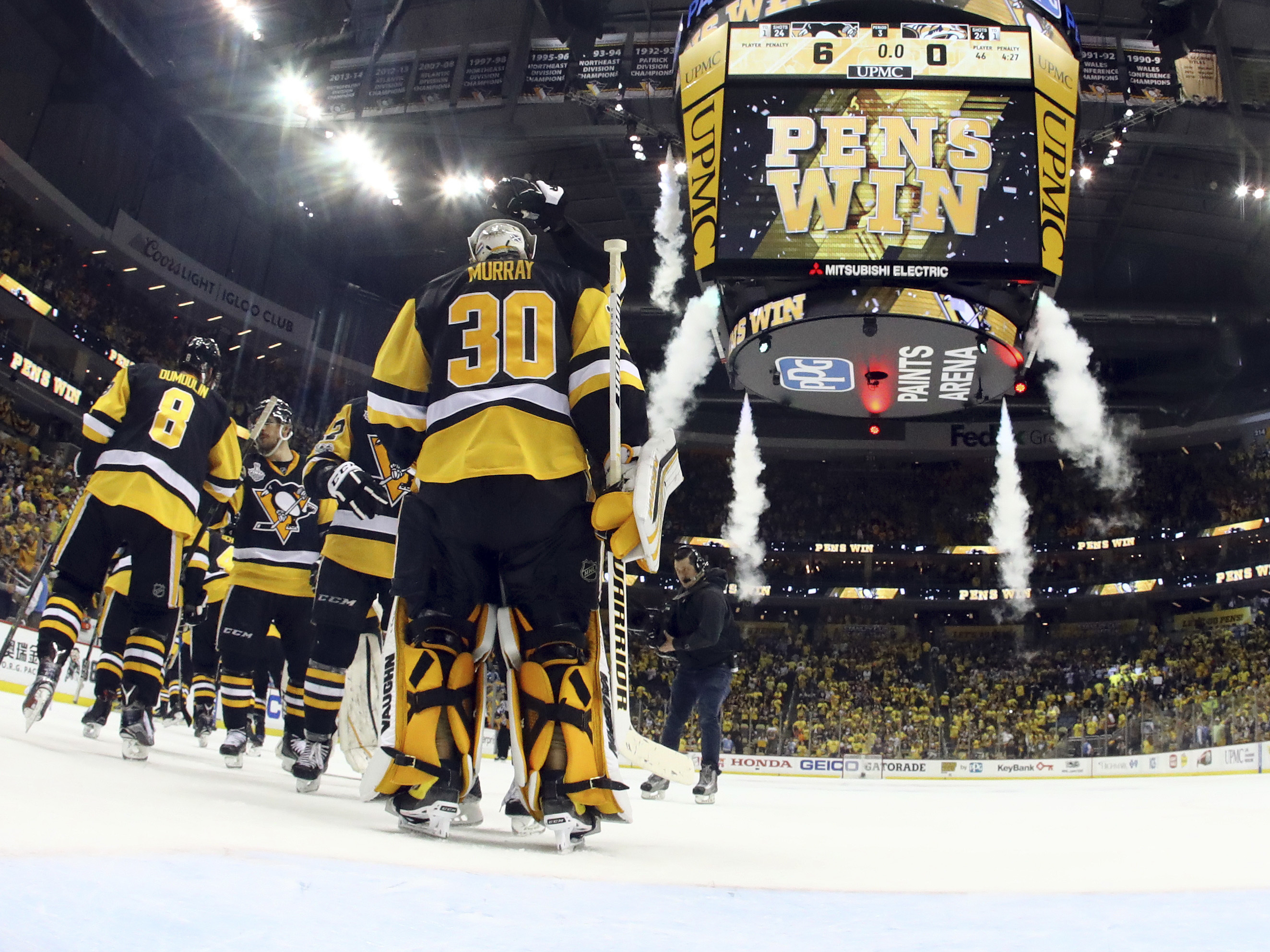 Crosby's brilliant night overshadowed by Subban tussle, water bottle toss