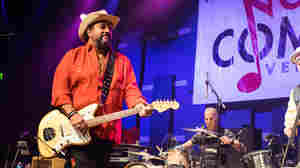 Hear The Mavericks Perform Live In Philadelphia