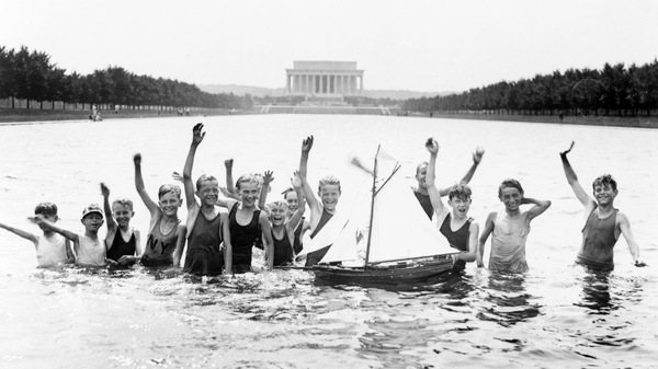 Boys swim in the Lincoln Memorial Reflecting Pool in 1926 despite the fact that it was forbidden.