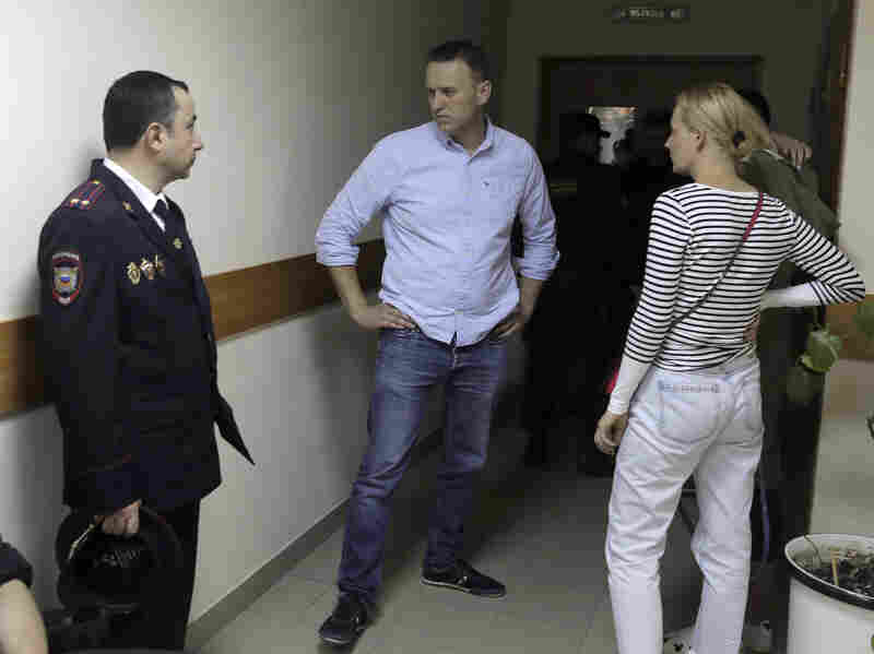 Russian Court Sentences Opposition Leader Navalny to 30 Days in Jail