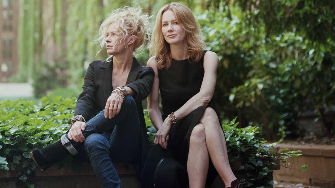 Hear Shelby Lynne & Allison Moorer's Bob Dylan Cover, 'Not Dark Yet'