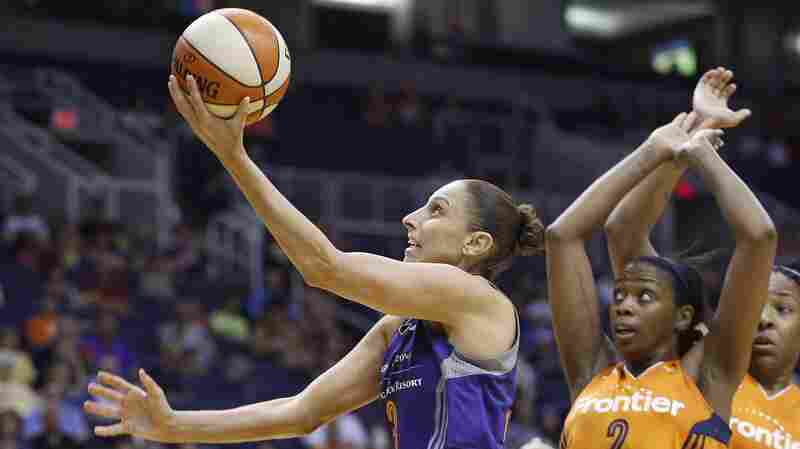 Diana Taurasi Breaks WNBA All-Time Scoring Record