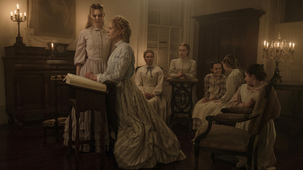 L to R: Elle Fanning as Alicia (Elle Fanning), Miss Martha (Nicole Kidman), Edwina (Kirsten Dunst), Jane (Angourie Rice), Amy (Oona Laurence), Emily (Emma Howard), and Marie (Addison Riecke) in The Beguiled