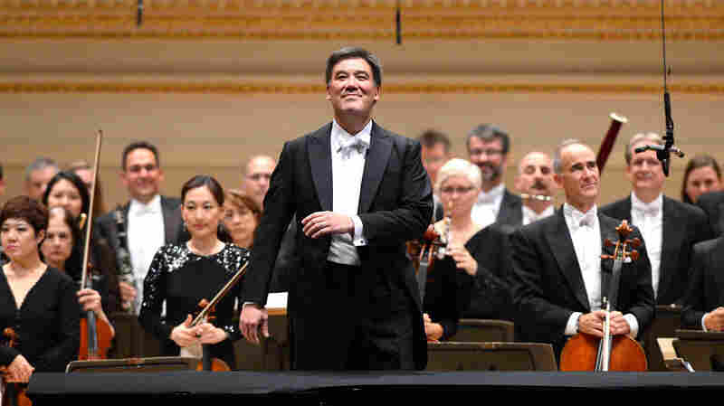 Philharmonic Flip-Flop: Conductor Alan Gilbert Trades New York For Hamburg