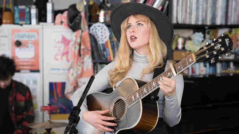 Holly Macve: Tiny Desk Concert