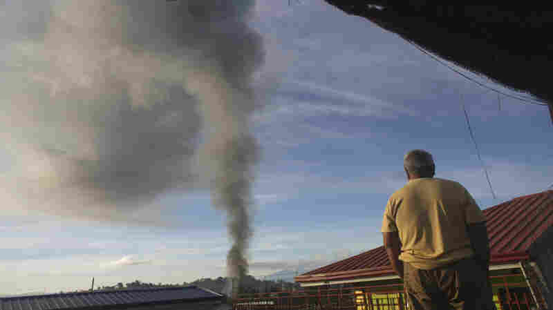 For Besieged Marawi Residents, A Brief Respite Ends In Gunfire
