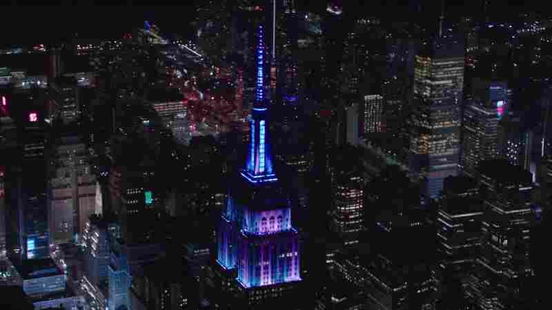 The Empire State Building Synced Its Lights To The Grateful Dead's 'Touch Of Grey'
