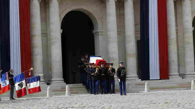 France Honors The Memory Of Simone Veil, 'A Light That No One Could Extinguish'