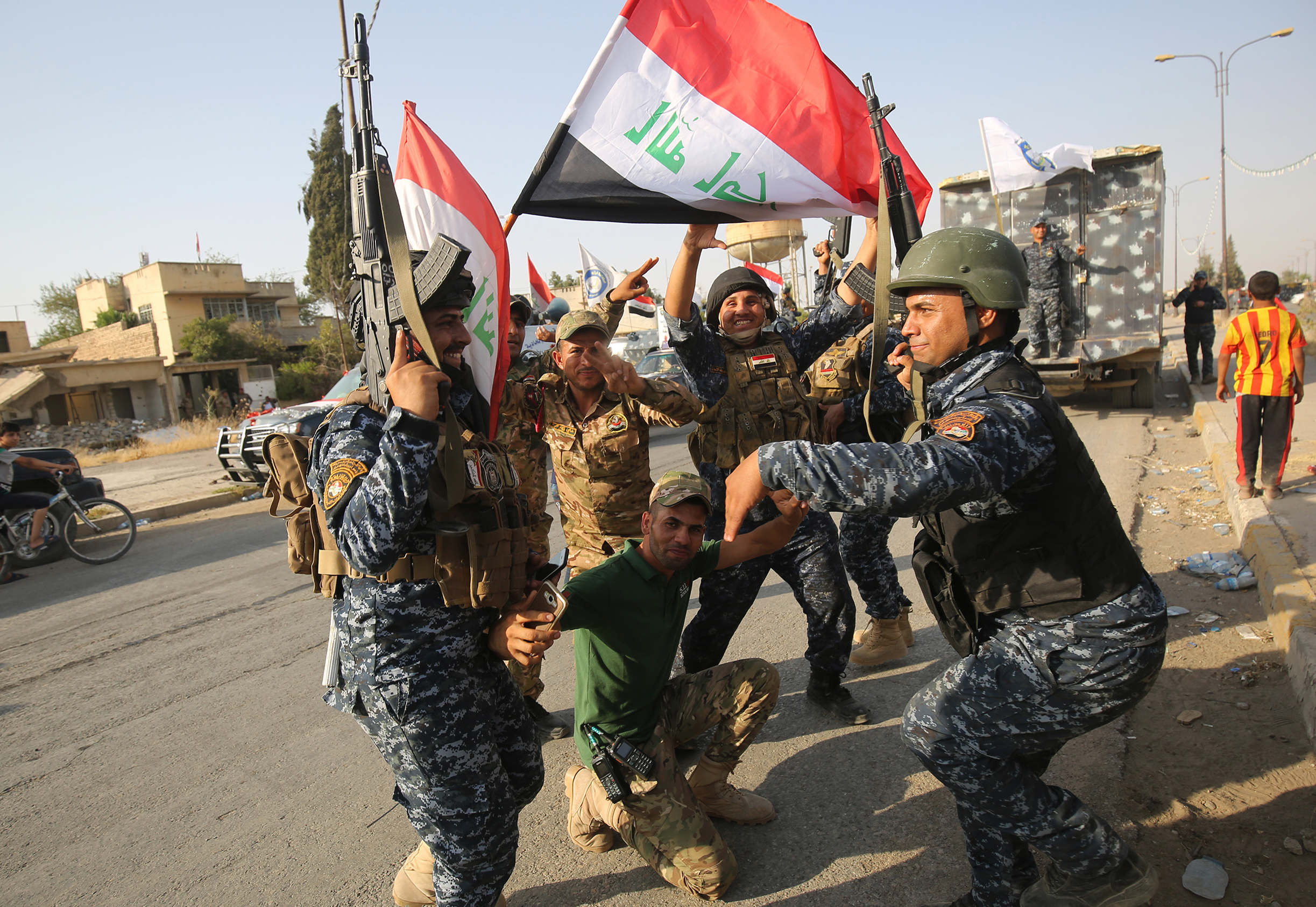 Iraqi Prime Minister in Mosul after 'victory' over ISIS""