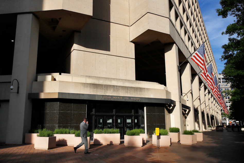 Plans to replace the J.Edgar Hoover FBI building have been canceled by the Trump administration. (Jacquelyn Martin/AP)