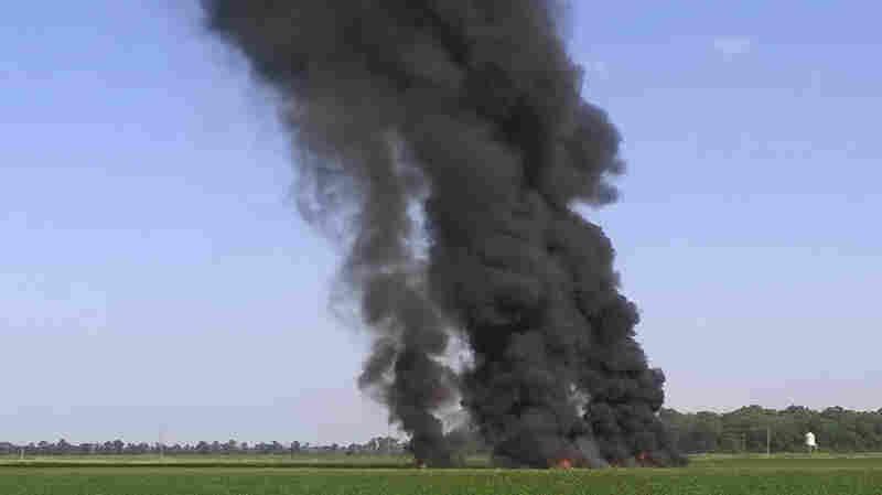 Military Plane Crash Kills 16 In Mississippi