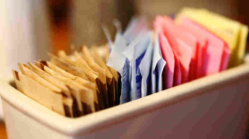 Artificial Sweeteners Don't Help People Lose Weight, Review Finds