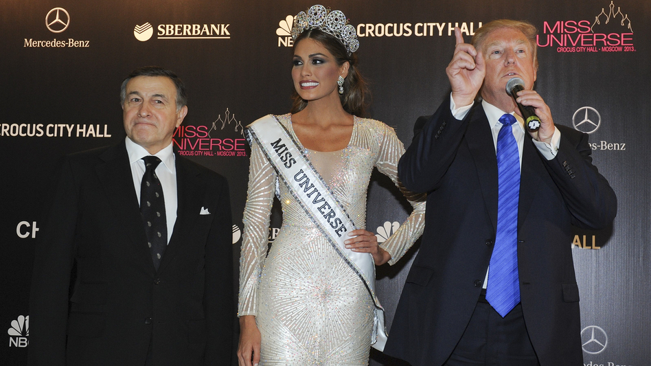 Russian businessman Aras Agalarov, left, Miss Universe Gabriela Isler and pageant owner Donald Trump at the Miss Universe pageant in Moscow in 2013. It was there that Trump — then the pageant's owner — spent several days hobnobbing with Russia's elite.