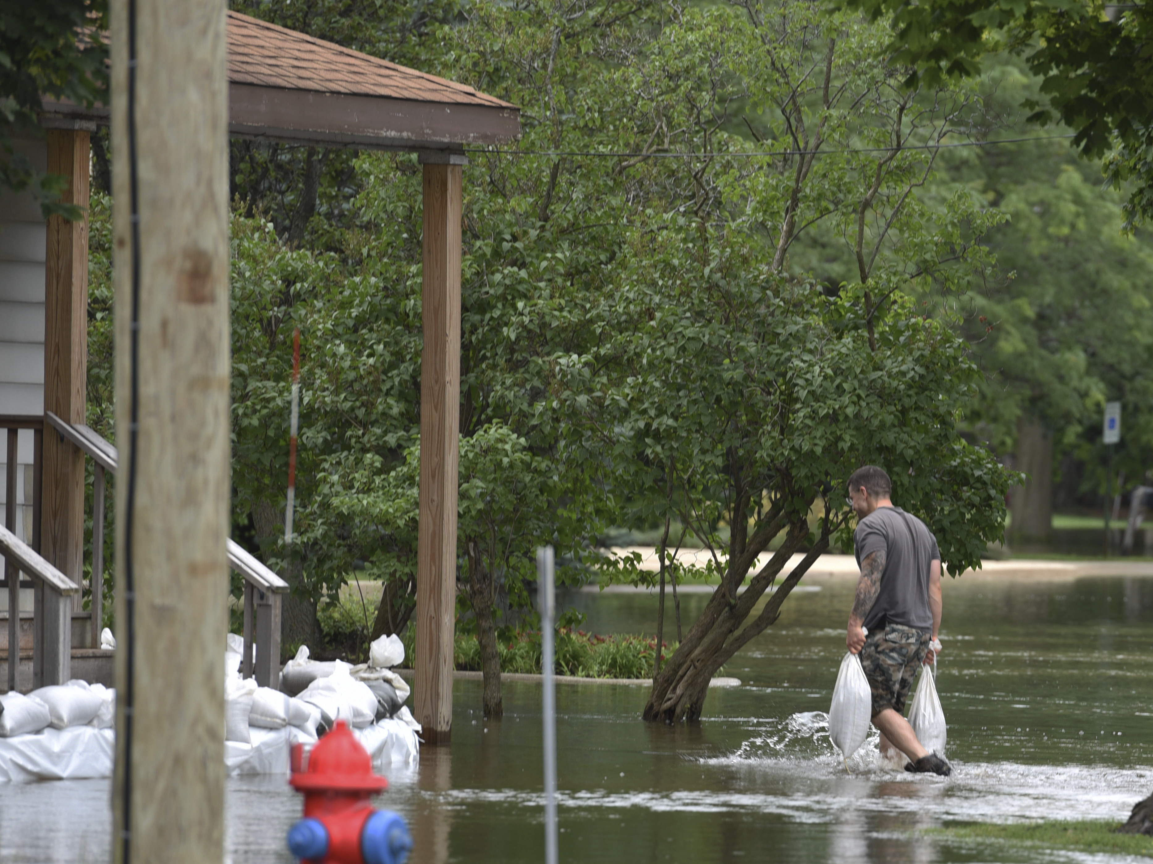 Forecasters warn flooding could worsen in suburban Chicago