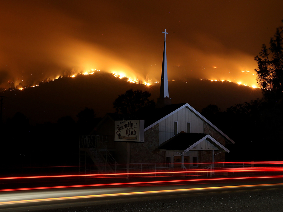 The Detwiler Fire burns in the hills above Mariposa on Tuesday. It has burned more than 45,000 acres and is just 7 percent contained, as of Wednesday morning local time.