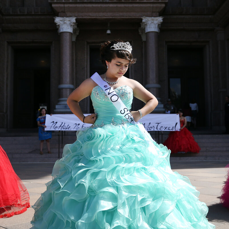 S In Quinceañera Dresses Protest Texas Immigration Law