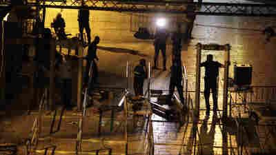 Israel Dismantles Controversial Metal Detectors At Jerusalem Holy Site