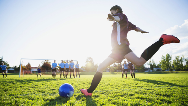 A growing number of pediatric sports medicine groups warn that when a child focuses on a single sport before age 15 or 16, they increase their risk of injury and burnout — an ...</td></tr><tr><td>