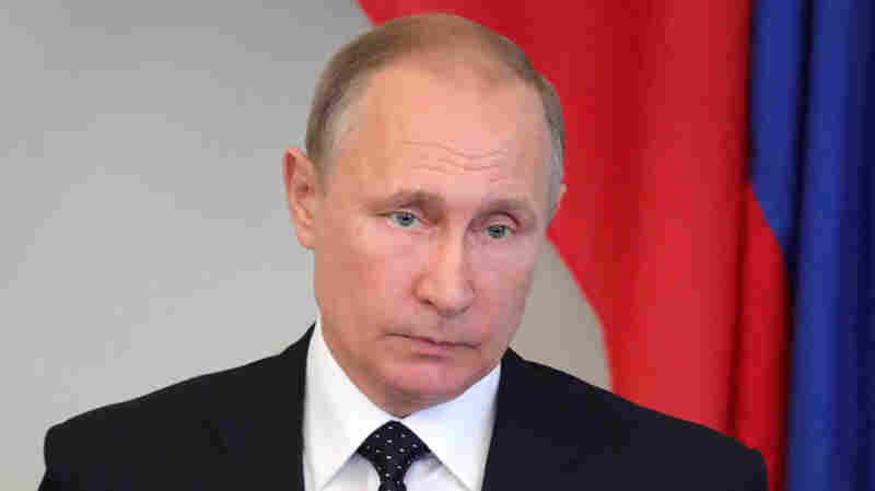 Putin Derides 'Illegal' Sanctions Bill — But Says He's Waiting On Final Version