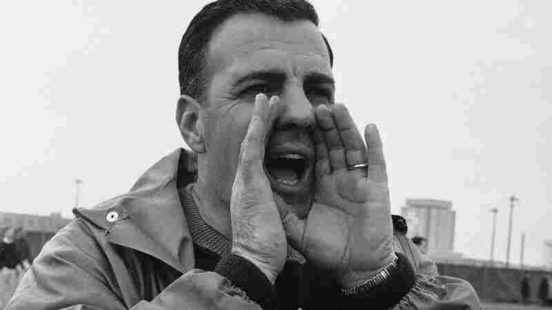 Ara Parseghian, 'Giant' Of College Football Sidelines, Dies At 94
