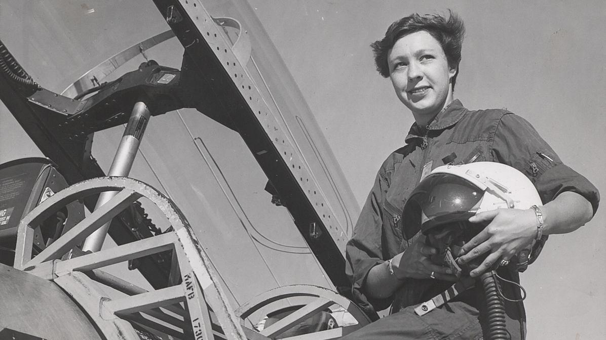 nasa female pilot - photo #13