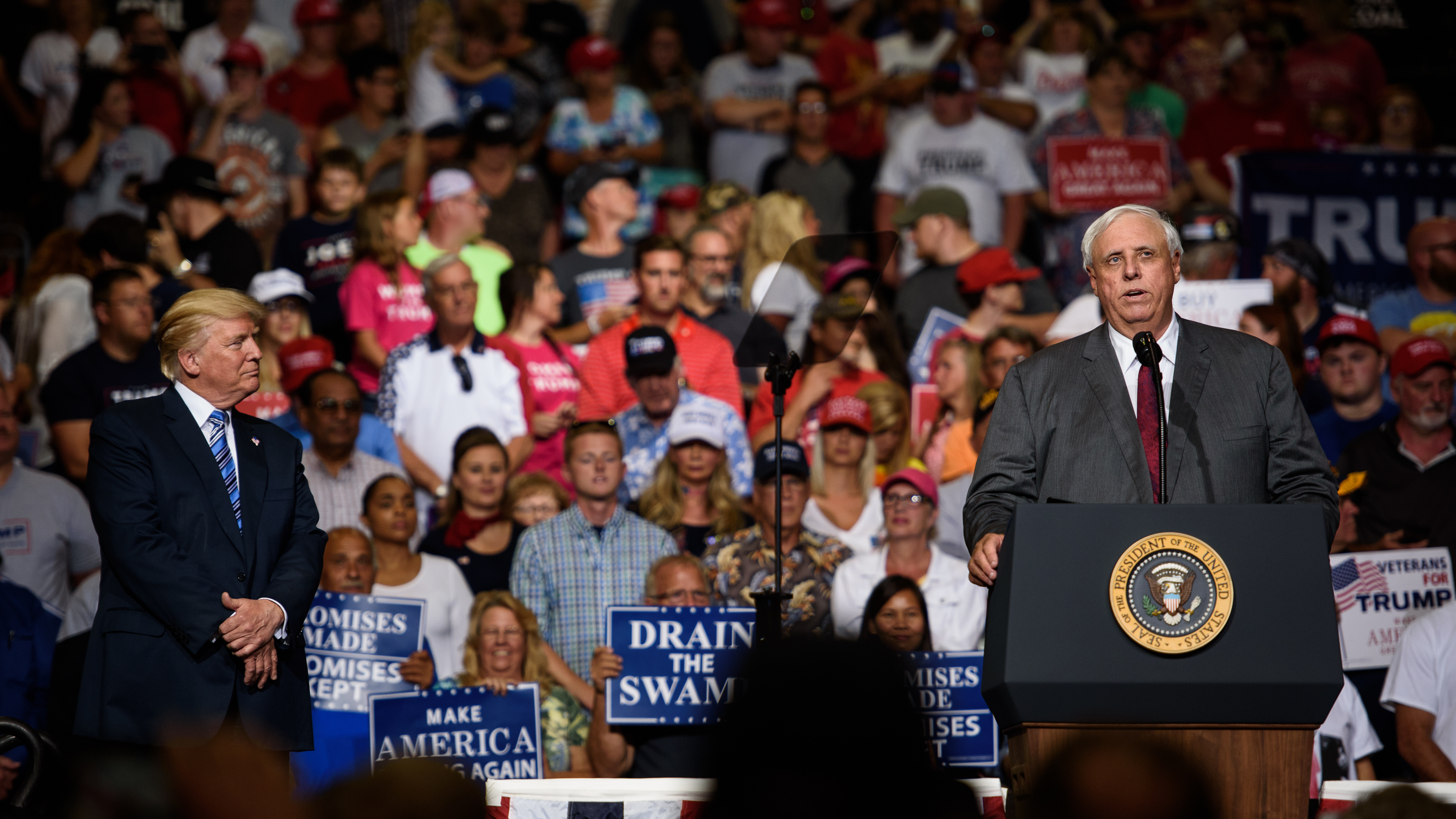 Gov. Jim Justice to switch from Democrat to Republican at Trump rally