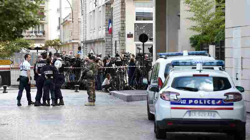 French Police Arrest Suspect After Car Is Used To Injure 6 Soldiers Near Paris