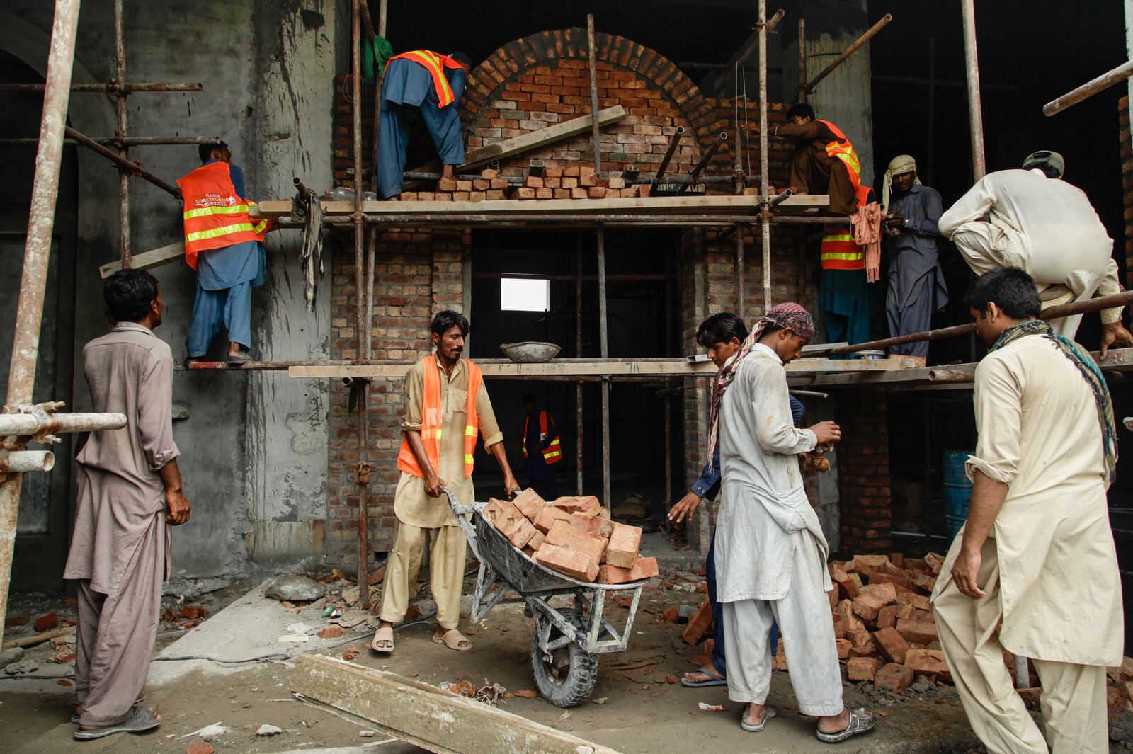 Home to have angered locals is a 30 000 square foot creation of hadid - Laborers Work To Prepare The New Pakistan History Museum In Lahore S Greater Iqbal Park The Museum A Project Of The Provincial Government And The Private