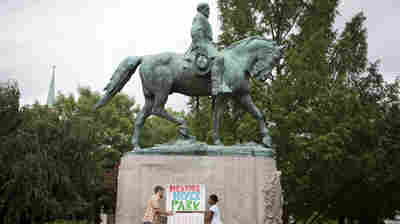 Mourners To Honor Charlottesville Victim; States Debate Confederate Statues