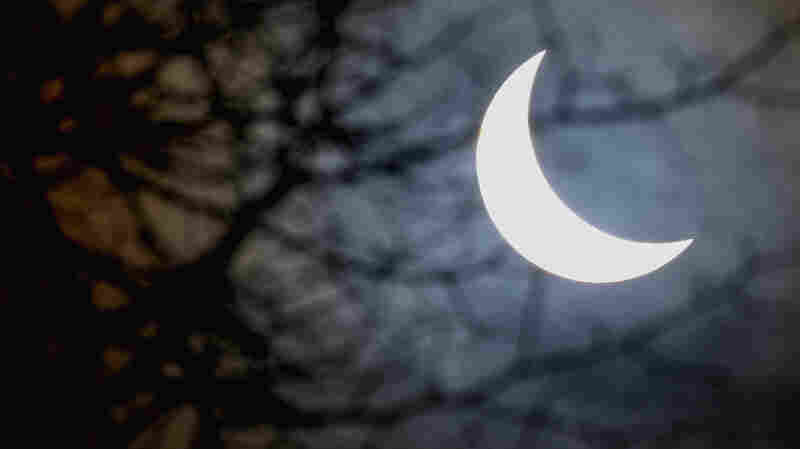 Rituals To Sprinkle A Little Magic Into Your Eclipse Experience