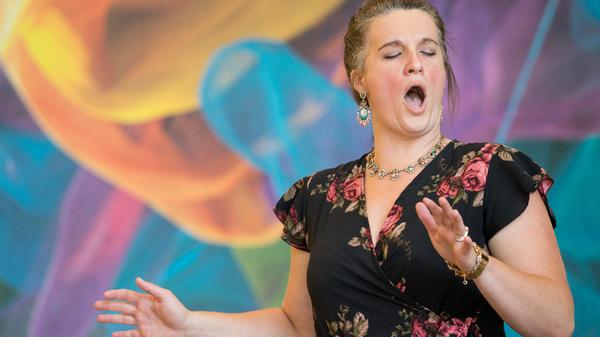 "Soprano Katharine Gunnink sings the aria ""Ch"
