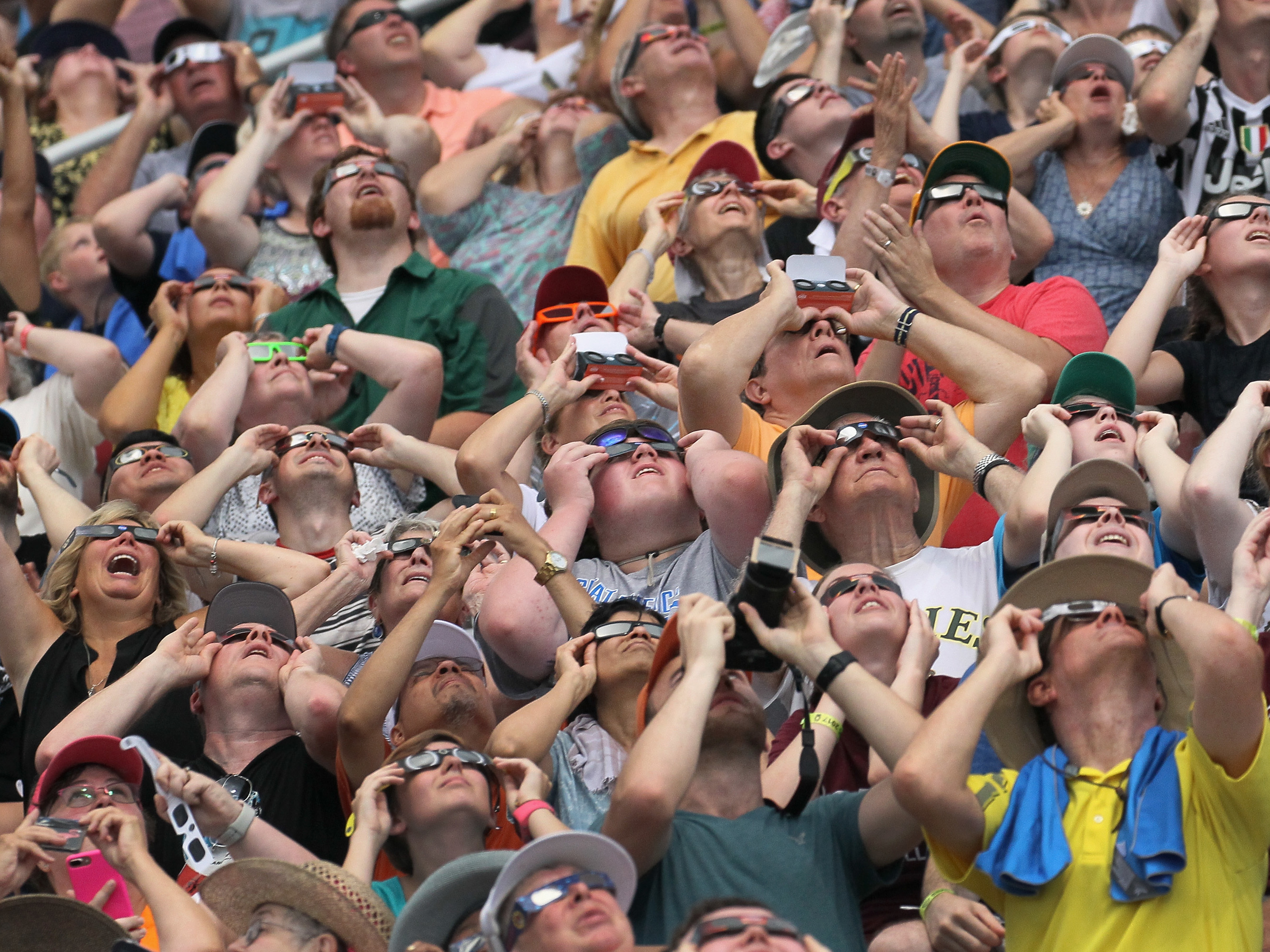 How To Tell If Watching The Eclipse Damaged Your Eyes
