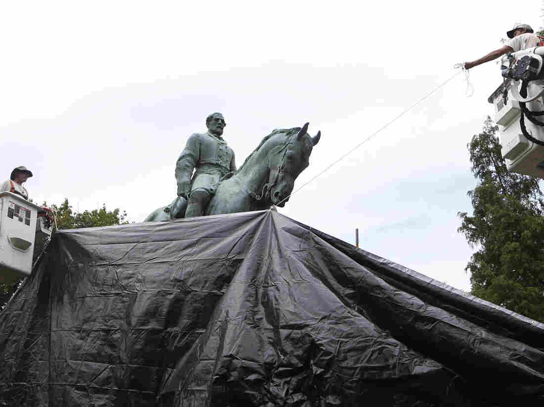 Lee Statue Covered as Controversy Persists