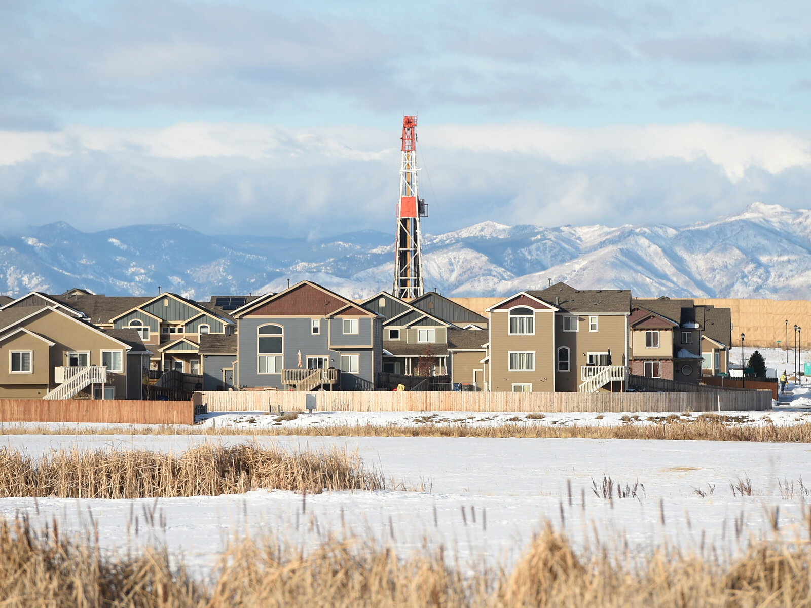 Neighborhoods Worry About Living Amid Oil And Gas Development thumbnail