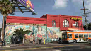 '¡Murales Rebeldes!': These Disappearing LA Murals Mirror Their Community