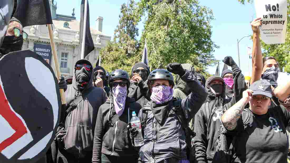 Berkeley Police Arrest 13 as Anarchists Storm Right-Wing Event