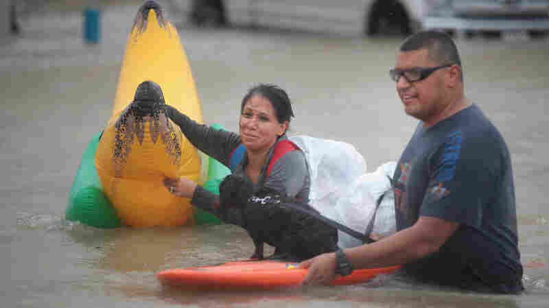Facebook, Twitter Replace 911 Calls For Stranded In Houston