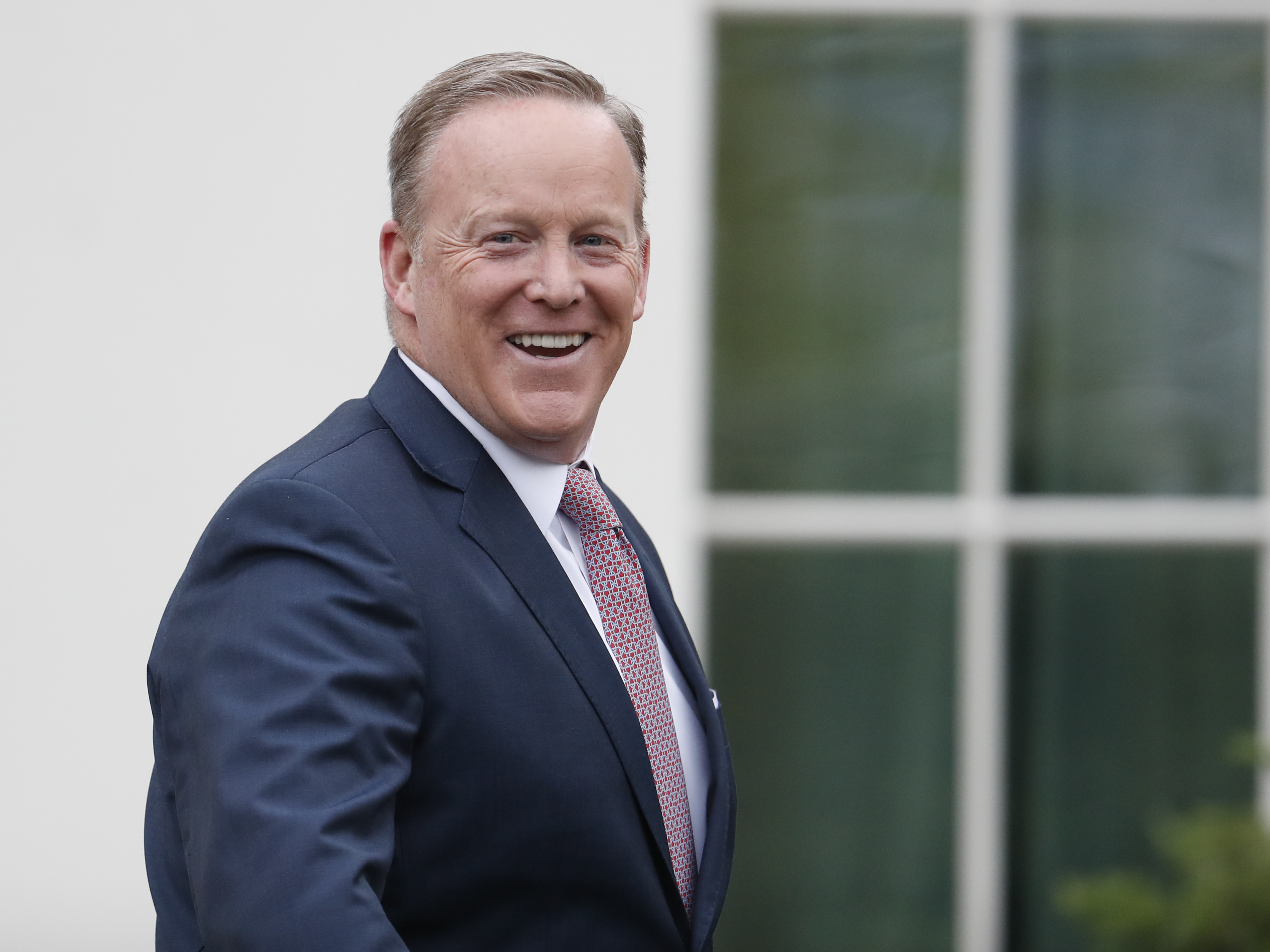 Sean Spicer meets Pope Francis at last
