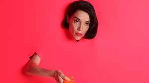 St. Vincent Announces New Album 'Masseduction,' Releases New Single 'Los Ageless'