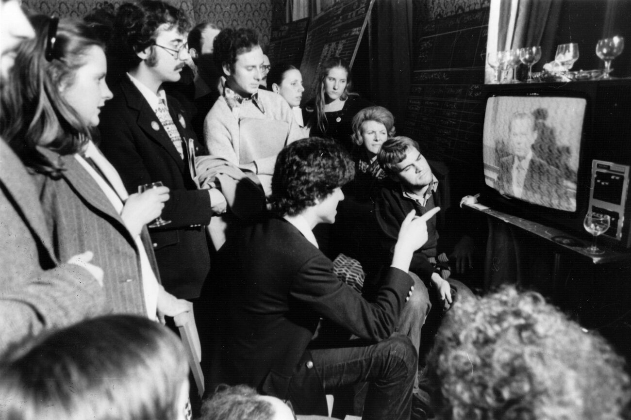 American supporters of the Democratic Party watch television and wait for the result of the 1976 presidential elections in which Jimmy Carter beat Gerald Ford. (Evening Standard/Getty Images)