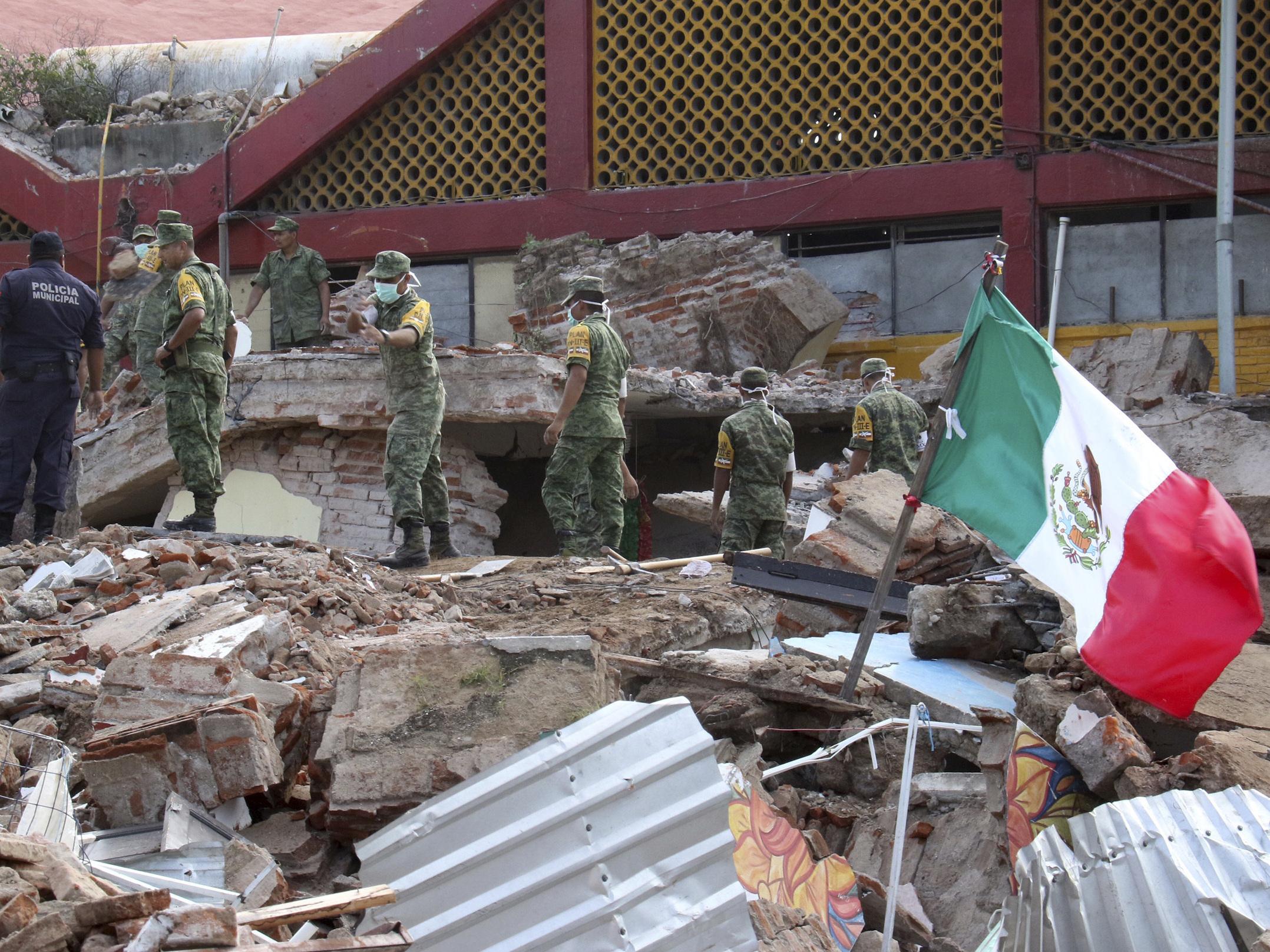 Tsunami warnings after Mexico quake
