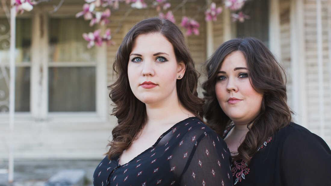 Watch The Secret Sisters, Lilly Hiatt, Aaron Lee Tasjan And More Perform Live